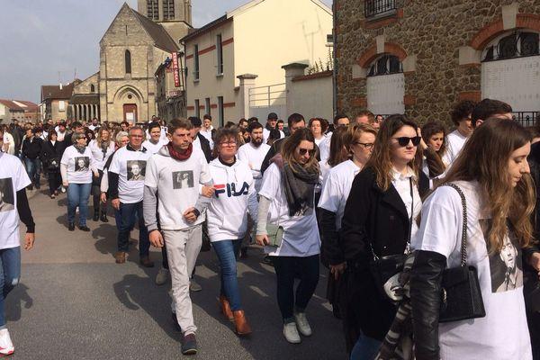 500 personnes ont participé à la marche blanche en hommage à Bastien Payet ce dimanche 24 mars à Bétheny dans la Marne.