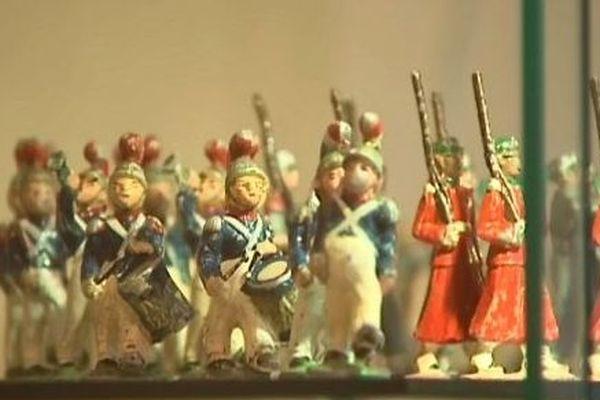 Ils ont toujours fasciné petits et grands, et étaient exposés ou échangés dimanche 25 novembre à Saint-Jean-de-Losne