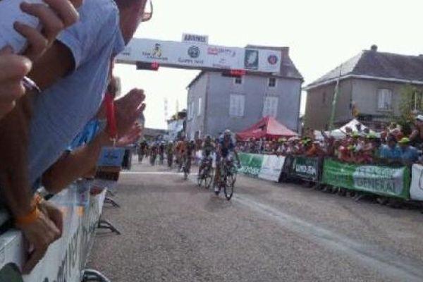 Arrivée de la 3ème étape du Tour du Limousin à Chamboulive