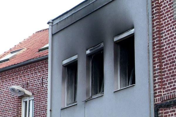 Un homme est décédé dans l'incendie qui s'est déclenché dans le bâtiment en face du 468 rue Florent-Evrard.