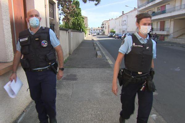 L'adjudant Bruno Pandolphi (à gauche) et la gendarme Justine Goriot (à droite). Ces deux militaires de la brigade de Tonneins en Lot-et-Garonne se sont portés volontaires pour être formés à la prise en charge des violences intrafamiliales dont les violences conjugales.