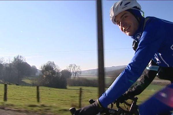 La vie en bleu et blanc de Léo Vincent. L'ancien coureur du CC Etupes rejoint à 21 ans la FDJ. Comme Thibaut Pinot avant lui.