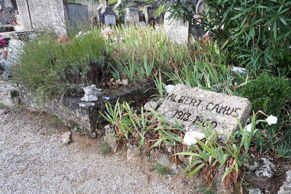 La tombe d'Albert Camus à Lourmarin (84).