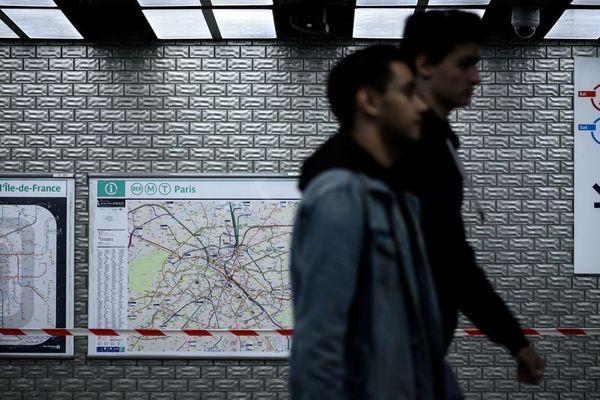 8 lignes du métro parisien seront fermées mercredi, avec un trafic toujours très perturbé pour ce qui est du RER (illustration).