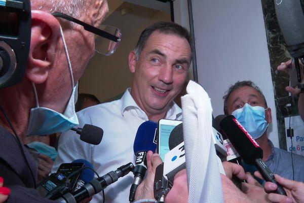 Le président sortant de l'exécutif arrive en tête à l'issue du premier tour, avec 29,2 % des suffrages.