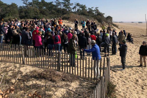 Les bénévoles réunis sur la plage de la Grande Côte à St-Palais-sur-Mer en Charnte-Maritime.