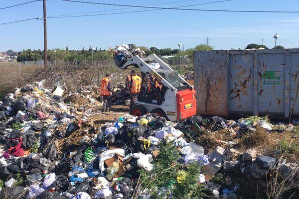 Un dépôt d'ordures sauvages au lieu-dit chemin du Prou de la Coulobres à Cabestany