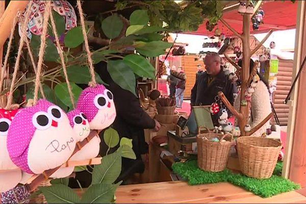Avec ses 10 chalets, le marché de noël de pamiers (09) améliore l'activité commerçante du centre ville.