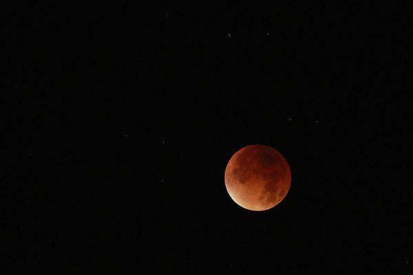 La dernière éclipse totale de lune, visible en 2015