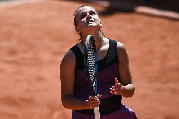 La jeune Costarmoricaine Clara Burel, éliminée dès le premier tour en simple, se hisse en huitièmes de finales du double féminin