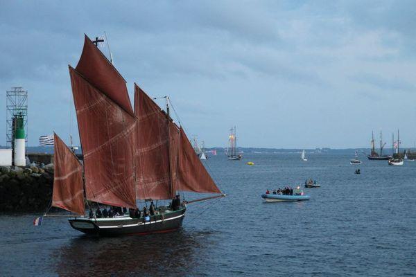 La Belle Angèle aux fêtes maritimes Les Tonnerres de Brest 2012 - 16/07/2012