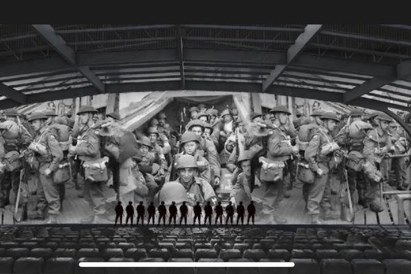 """""""L'hommage aux héros"""" est une """"évocation historique"""" de 45 minutes, qui sera présentée six fois par jour."""