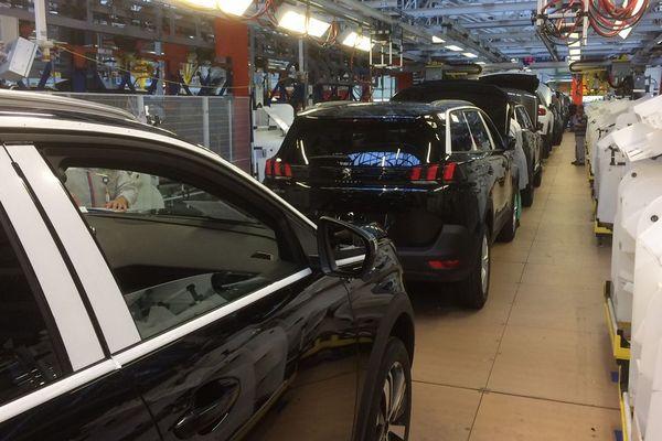 La nouvelle ligne de montage du 5008 Peugeot et du C5 Aircross à PSA La Janais près de Rennes