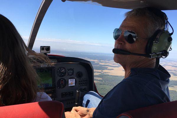 En vol, Fred sera désormais le simple passager de Laura