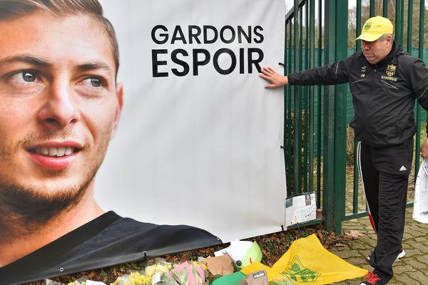 Le poster d'Emiliano Sala à La Jonelière,  le 24 janvier 2019