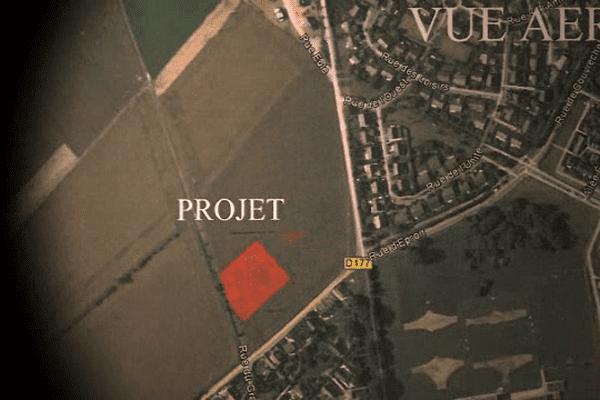 Le projet sur ce terrain appartenant à l'Etat: implanter un centre d'hébergement provisoire sur la commune de Saint-Contest. Près de 20 bungalows