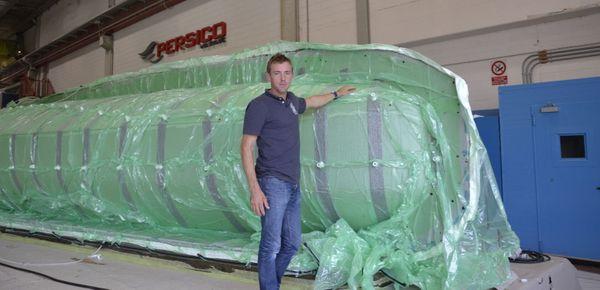 Thomas Ruyant, sur le chantier italien de son nouveau monocoque.
