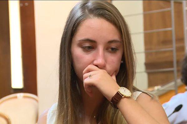 Chloé lors du deuxième jour du procès des assises du Gard le 17 juin 2016
