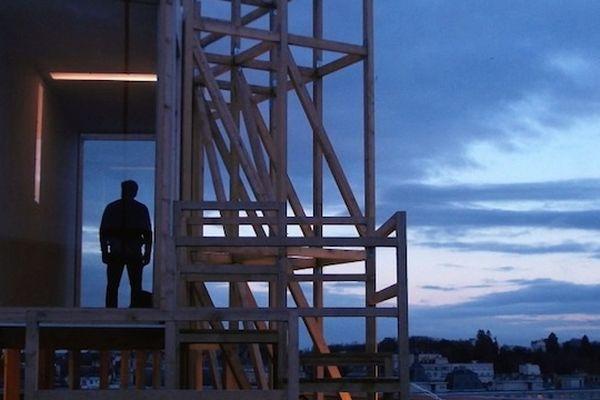 ma veille, perché sur le toit d'un immeuble, mercredi 28 novembre