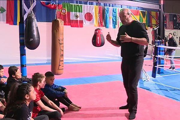 Un coach spécialisé dans la maîtrise de soi, qui intervient normalement dans des entreprises, a animé ce stage à l'attention des jeunes boxeurs.