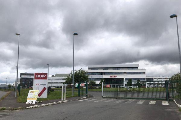 Le site Hop Air France devrait fermer ses portes à Morlaix d'ici 2022. Près de 300 emplois sont menacés. Les élus locaux ne veulent pas s'y résoudre.