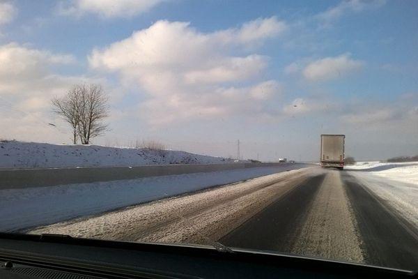 Prudence sur les routes enneigées ! (Image d'archives).