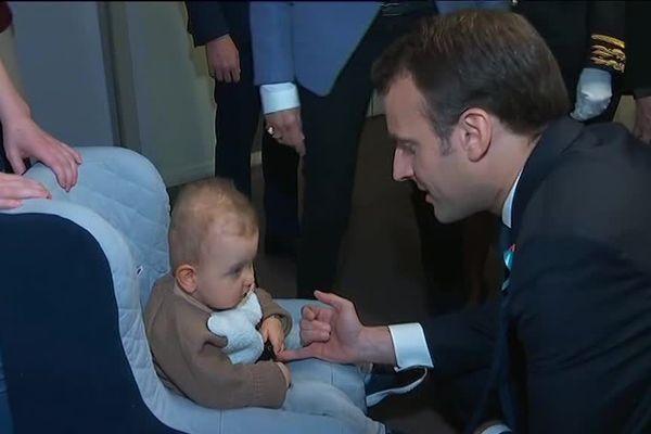 Emmanuel Macron a visité une unité spécialisée dans l'autisme au CHU de Rouen, jeudi 5 avril 2018.