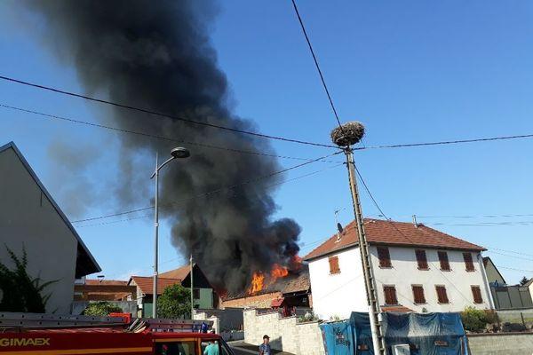 Deux granges sont parties en fumée, samedi 1er août 2020 à Littenheim