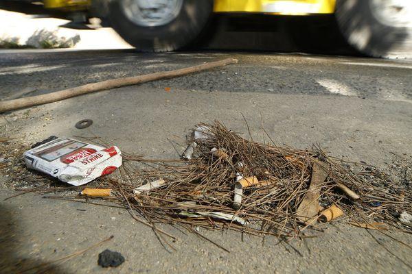 Ce sont surtout des petits déchets, mégots de cigarettes, mouchoirs usagés qui seront ramassés.