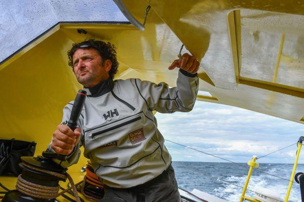 Arnaud Boissières à bord de la Mie Câline - Artisans Artipole