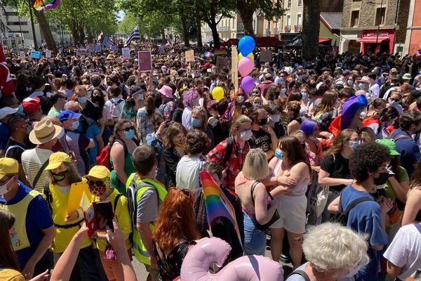 Des milliers de personnes ont défilé à Rennes pour la liberté et l'égalité des droits de la communauté LGBTI+