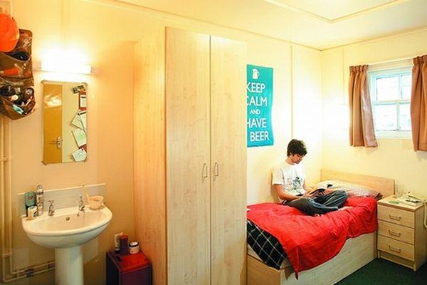 Création d'une caution locative étudiante pour aider les jeunes à trouver un logement.