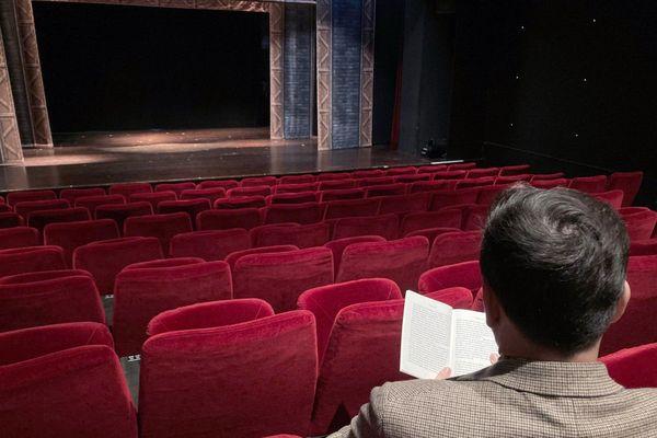 Lecture de Xavier Viton au théâtre Trianon, Bordeaux