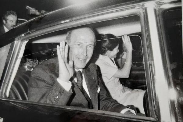 Le président Valéry Giscard d'Estaing et son épouse venus remercier les habitants de Ringeldorf pour leur vote