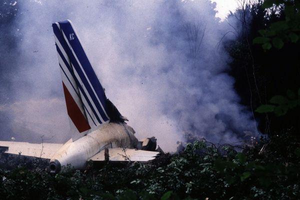 Air France ... pour voler ... à l'aveugle .. 5edf5dd00bf1e_maxnewsworldthree715937-3730605