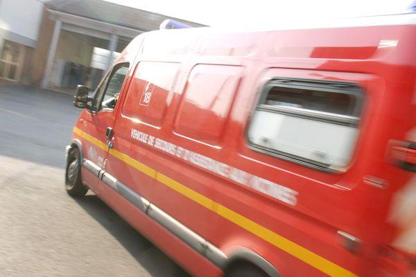 Les pompiers ont été appelés tôt dans la matinée pour maîtriser le sinistre. Photo d'illustration.