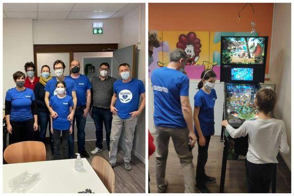 Un flipper a été installé au sein de la maison des familles de l'hôpital Hautepierre de Strasbourg le 22 décembre. Un jeu apprécié des familles d'enfants malades.