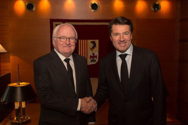 La rencontre entre le président sortant Michel Vauzelle, et le futur nouveau président, Christian Estrosi.