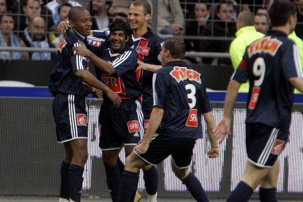 Vikash Dhorasoo, lors de la finale de la coupe de France 2006, face à l'Olympique de Marseille.