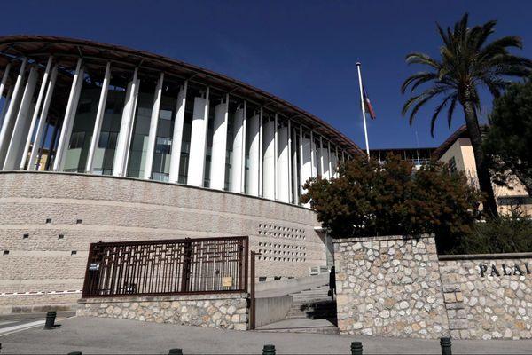 Une information judiciaire pour agressions sexuelles et viols a été ouverte au tribunal de Grasse