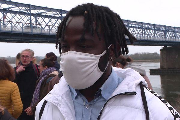 Vianney habite Mauves-sur-Loire depuis 3 ans et demi et vient de se voir refuser son titre de séjour