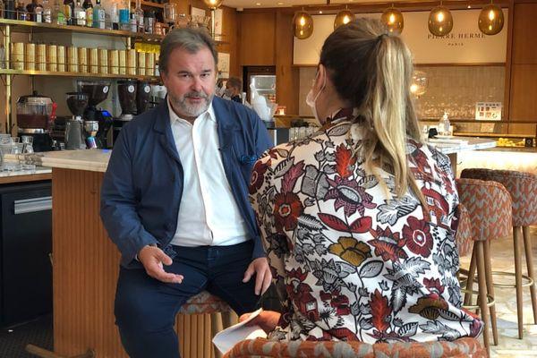 Le pâtissier-chocolatier Pierre Hermé nous a reçus dans un de ses cafés à Paris.