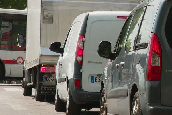 La circulation différenciée avait été mise en place vendredi en raison des pics d'émission d'ozone