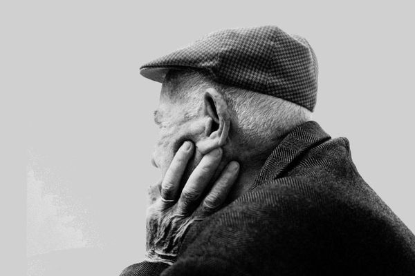 Pépé, un livre-témoignage sur les dernières années de vie du grand-père du photographe François Dorian