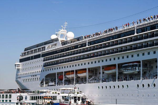 Venise : Un bateau de croisière hors de contrôle crée la panique sur le quai