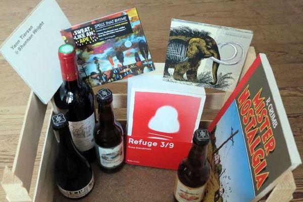 """Dans cette """"cagette culturelle"""", uniquement des productions locales et indépendantes : CD, romans, BD, vin et bières fabriquées près de Bordeaux."""