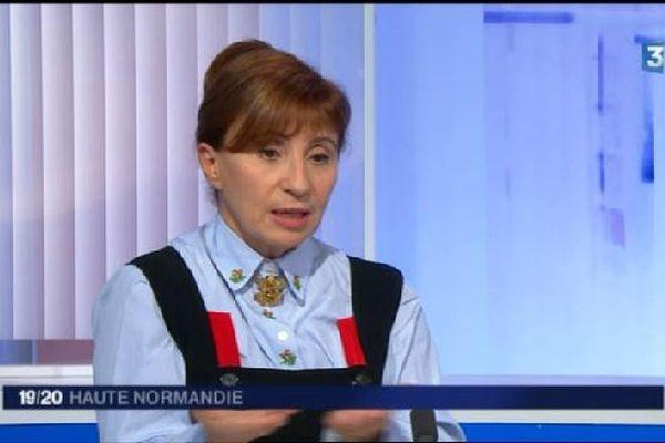 Ariane Ascaride sur le plateau du 19/20 de France 3 Haute Normandie