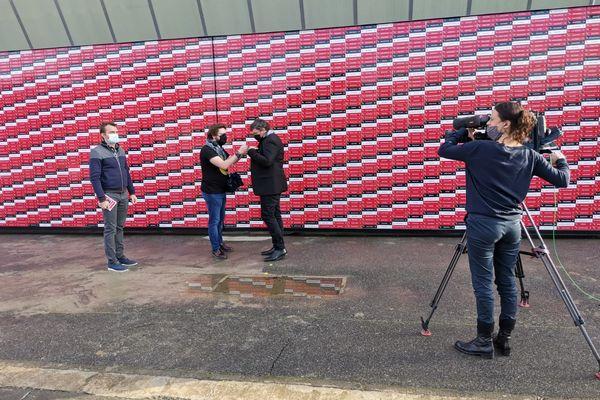 Le mur des supporters du Stade Toulousain avec Didier Lacroix et Mickaël Potot dans ECM