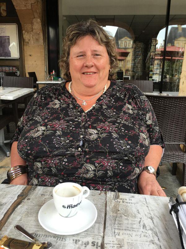 Nathalie Leporcq Petitfils, une grande dame de la chanson française, avec un regard différent sur le handicap de la cécité