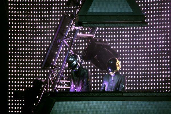 En 2006, les Daft Punk sur la grande scène des Eurockéennes.